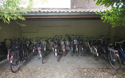 Het Broekkot - bicycle shed