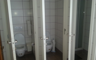 De Griffel common sanitary (3 toilets and 2 showers)