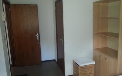 De Griffel room DG0104 bookshelf
